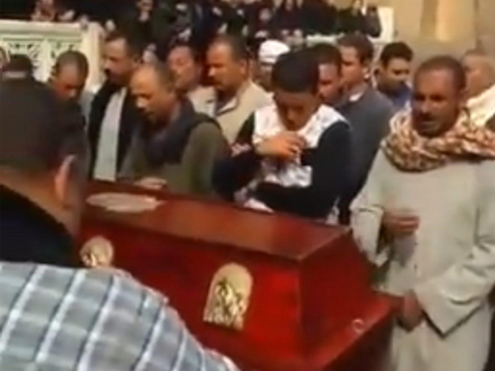 20190225-Houm-Al-Raheb-begrafenis-buiten
