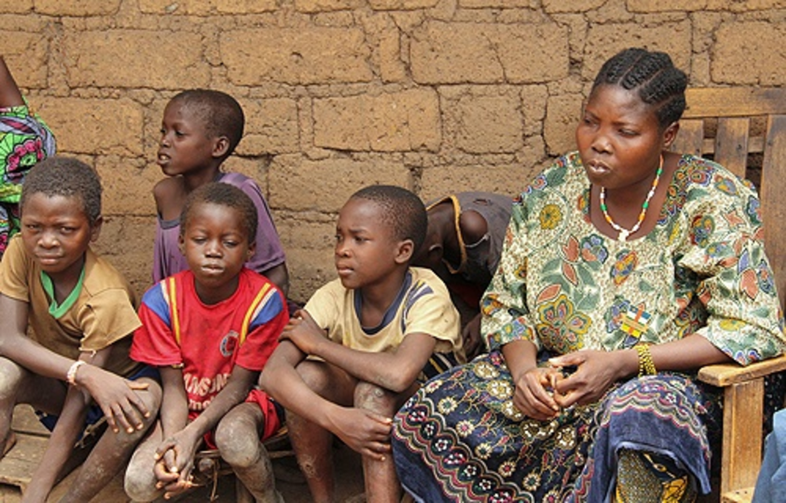 Displaced_persons_in_the_Central_African_Republic_received_aid_from_CRS_in_May_2014_Credit_Kim_Pozniak_Catholic_Relief_Services_CNA_5_21_14