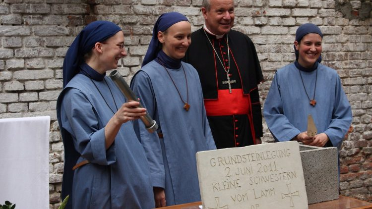 """Austria/Vienna 11/19Help for the construction of a monastery of the congregation """"Little Sisters of the Lamb"""" OP in Vienna: Laying the foundation stone with Cardinal Schönborn in Vienna, 02.06.2011Only this file qualit avail"""