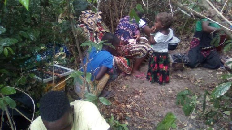 20201119 Journalisten rk radio Mozambique in bos gevlucht voor jihadisten Forcom