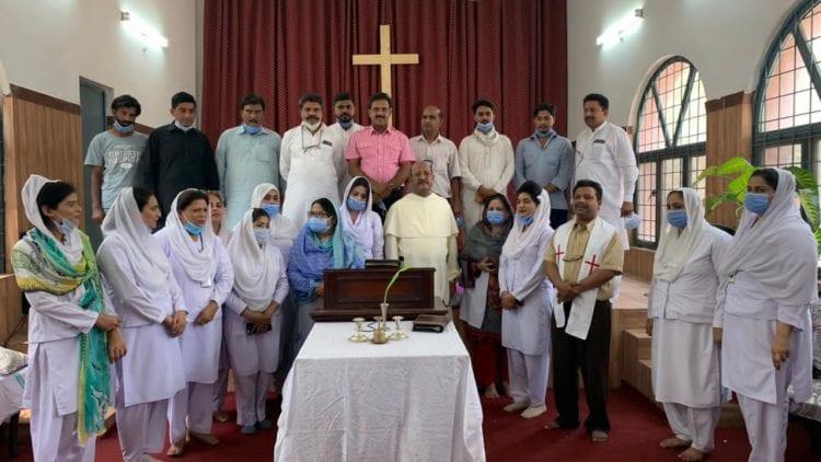 Pakistan - Head imam backs Christian nurses in blasphemy crisis