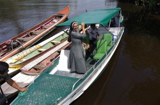 Purchase of a boat for the St. John Baptist parish in Curralinho