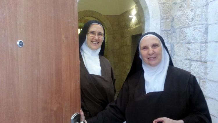 Palestina-Bidden-op-de-olijfberg-waar-Jezus-bad