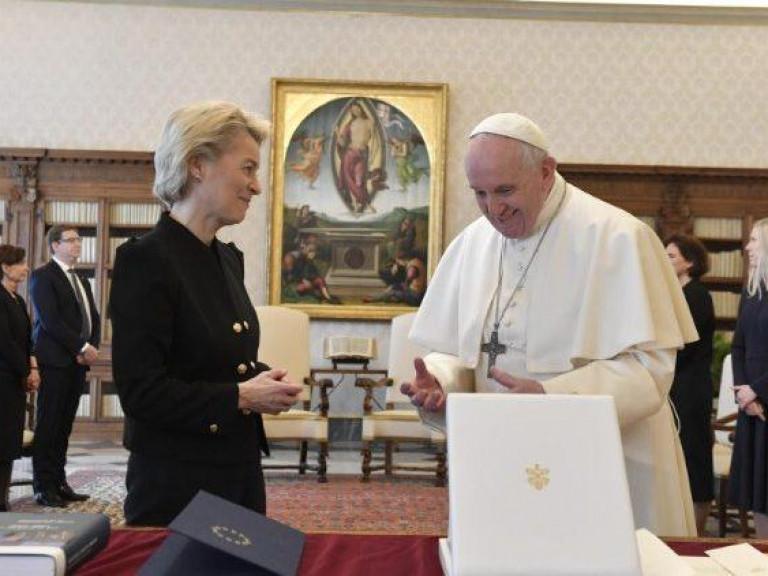 20210522 Paus en Ursula von der Leyen c VaticanMedia