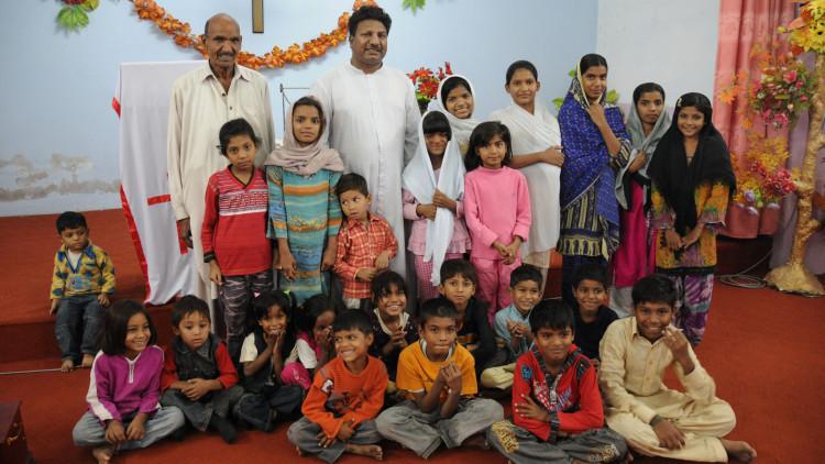 20111209PakistanWolnik016