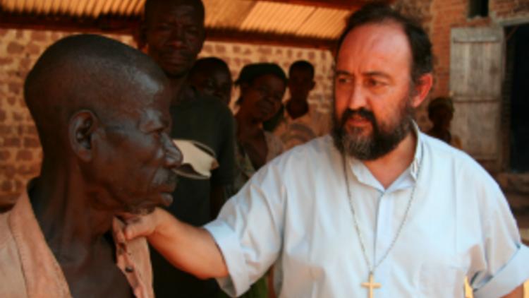 20130411_obispoaguirre-centroafricana_300