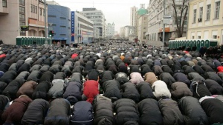 muslims-in-action-in-Moscow