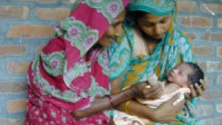 bangladesh_-_donne_e_bambino_600_x_450-200-x-150