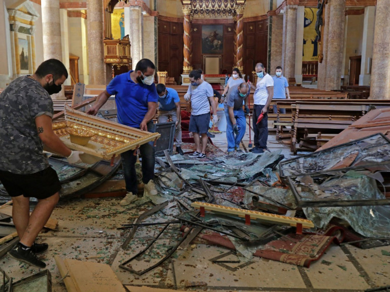 Christians defy land-grabbers - Beirut August 2020