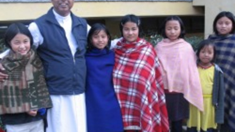 bishop_jose_mukala_of_kohima_with_faithful
