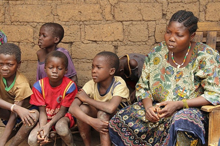 ACN Displaced persons in the Central African Republic received aid from CRS in May 2014 Credit Kim Pozniak Catholic Relief Services CNA 5 21 14