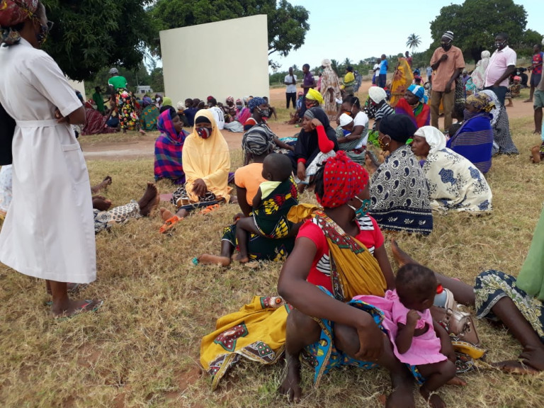 People flee from attacks by jihadists in Mozambique June 2020