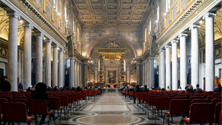 Interior_of_Santa_Maria_Maggiore_Rome