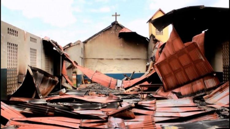 20200403 Brandstichting kerken en doden bij politieke spanningen Guiné