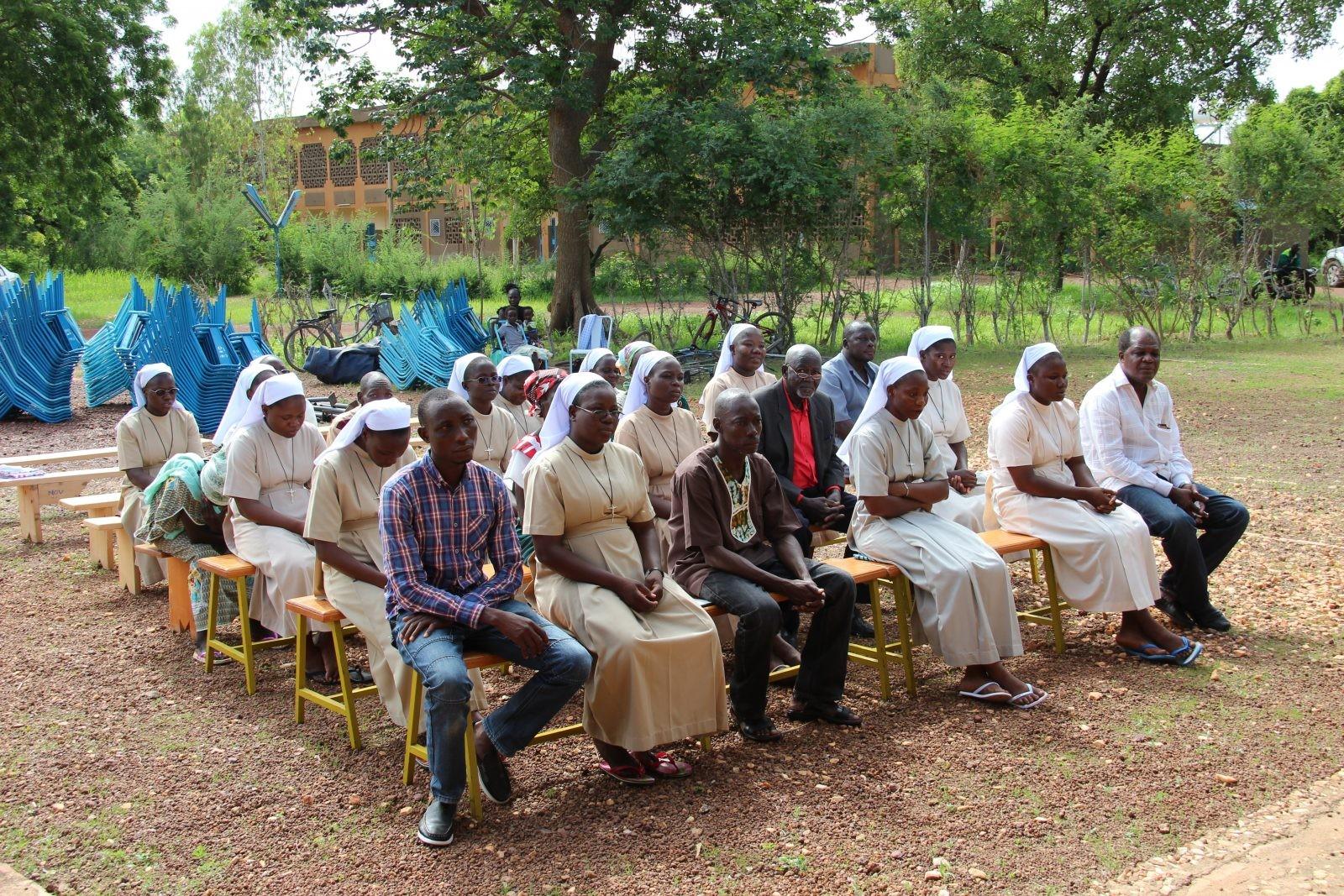 ACN-20170803-59553 Burkina Faso zusters