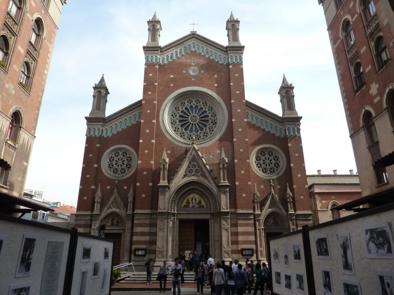 St._Anthony_of_Padua_Church_in_Istanbul_07