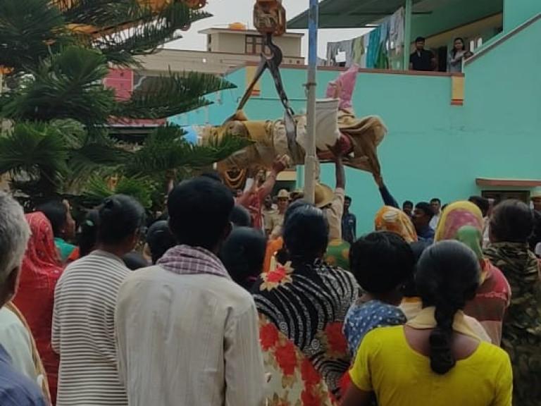 20200303 Christusbeeld verwijderd van Indiase begraafplaats Mahima 2