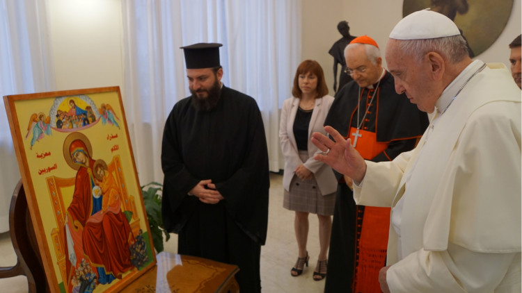 20190916-Pope-Francis-blesses-Icon-for-Syria