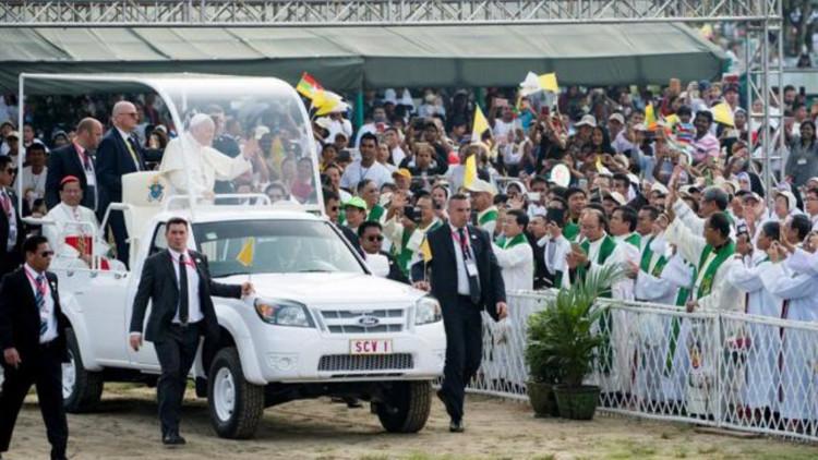 20171130-Paus-Myanmar-Radio-Vaticaan