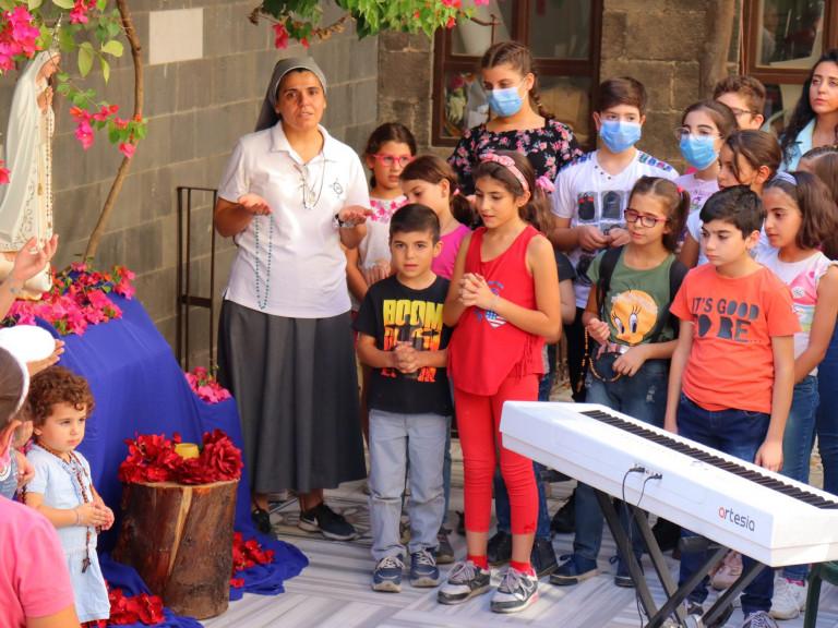One Million Children Praying the Rosary 2021