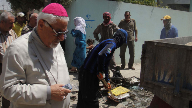 20110805_021-Archbishop-Mouche