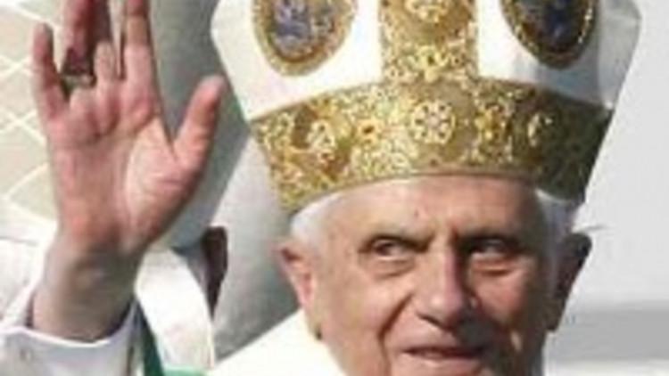 pope-benedict-xvi_3-200-x-239