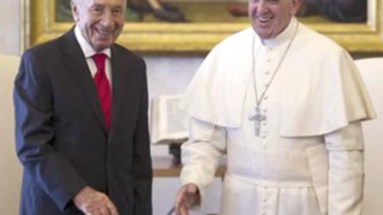 20130512_300_POPE-PERES-INVITE_yahoo_news