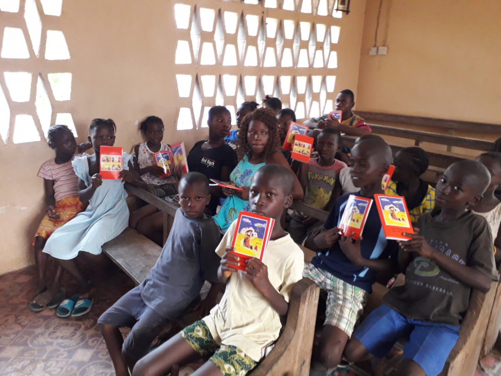 5,040 copies of the Child's Bible God speaks to his children in English for the Parish of St Teresa of the Child Jesus in Bo
