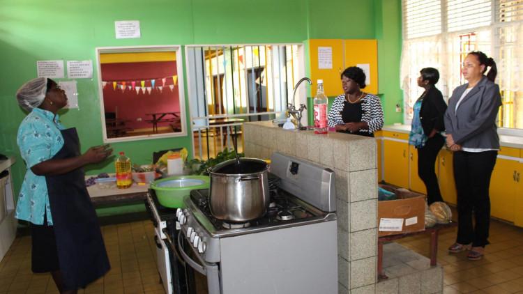 Foto-stichting-Voor-het-kind-Paramaribo
